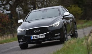 Infiniti Q30 Sport AWD 2016 - front tracking
