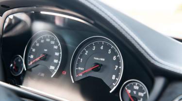 BMW M3 CS - speedo