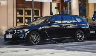 BMW 330e Touring - front