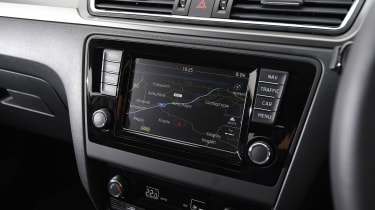 Fiat Tipo vs Skoda Rapid vs Citroen C4 - Rapid infotainment