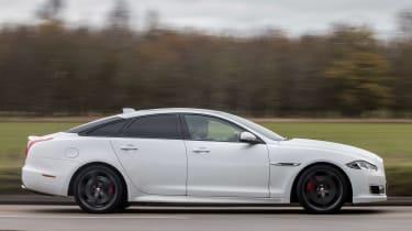 Jaguar XJR - side