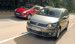 VW Touran vs Renault Grand Scenic