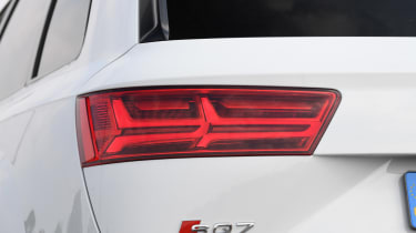 Audi SQ7 Vorsprung - rear light