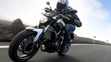 Yamaha MT-07 review - tracking