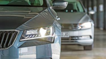 Skoda Superb vs VW Passat - lights