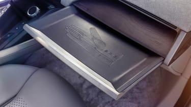 Jaguar I-Pace - studio glovebox