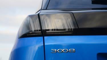 New Peugeot 3008 facelift 2020 rear light