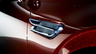 Bentley Flying Spur - studio side detail