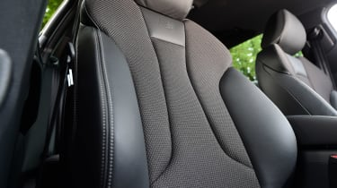Audi A3 Sportback 2.0 TDI - front seat
