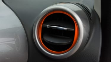 Triple test – Renault Twingo - air vent