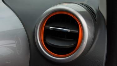 Triple test –Renault Twingo - air vent