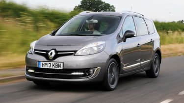 Renault Grand Scenic front action