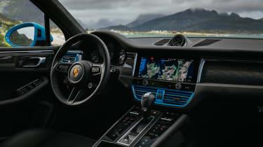 Porsche Macan 2.0 - interior
