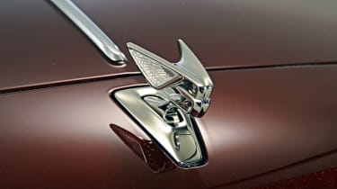 Bentley Flying Spur - studio badge
