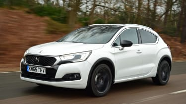DS 4 Crossback group test - front tracking