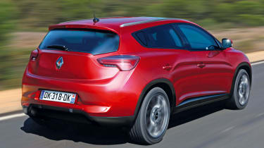 Renault Megane SUV rear tracking