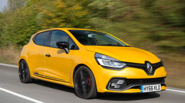 Renault Clio RS 220 Trophy - front action