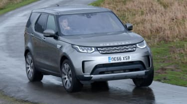 Land Rover Discovery - front action