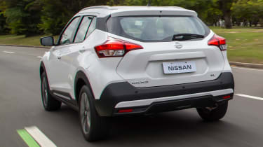 Nissan Kicks SUV - rear tracking