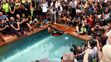 Daniel Ricciardo - swan dive