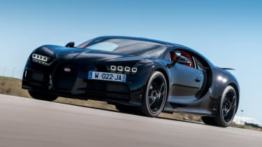 Bugatti Chiron - front action