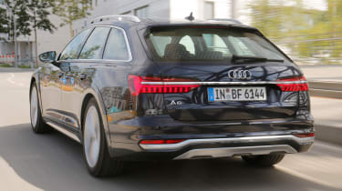 Audi A6 Allroad - rear action