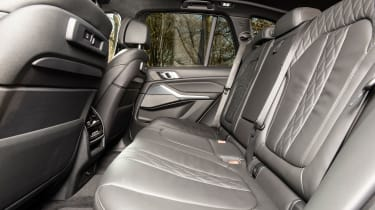 bmw x5 m50d rear seat legroom