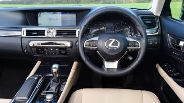 Lexus GS 300h 2016 - dashboard