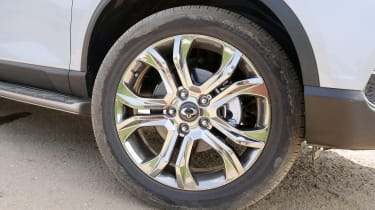 SsangYong Rexton - wheel