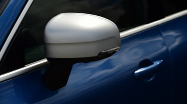 Volvo XC60 T8 - wing mirror