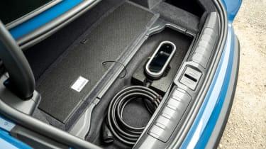 Porsche Taycan RWD - cables