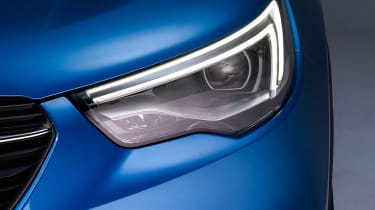 Vauxhall Grandland X - front light detail