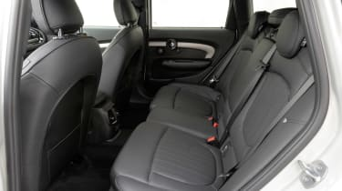 MINI Clubman JCW - rear seats