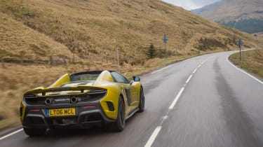 McLaren 675LT Spider 2016 - rear tracking