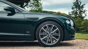 Bentley Flying Spur Hybrid - wheel