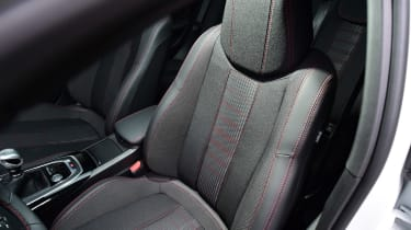 Peugeot 308 - front seat