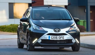 Toyota Aygo x-clusiv - front