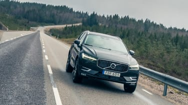 Volvo XC60 ride review - front panning