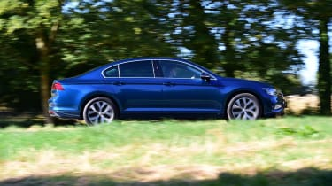 Volkswagen Passat side