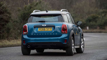 MINI Countryman - rear cornering
