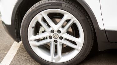 Vauxhall Mokka X 2016 - wheel