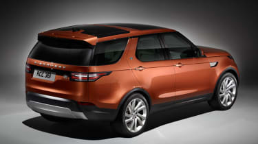Land Rover Discovery 2017 - official studio rear
