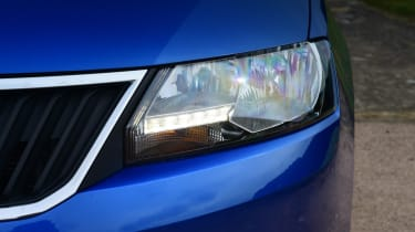Skoda Rapid Spaceback - headlight