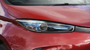 Renault ZOE - front lights