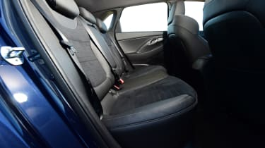 hyundai i30 rear seat legroom