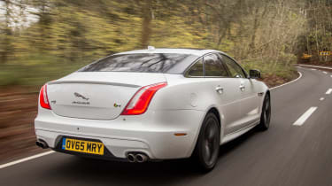 Jaguar XJR - rear