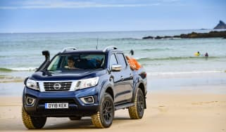 Nissan Navara AT32 truck – header