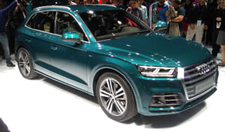 Audi Q5 - Paris front three quarter