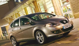 SEAT Altea XL front three-quarters