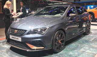 SEAT Leon Cupra R ST - front